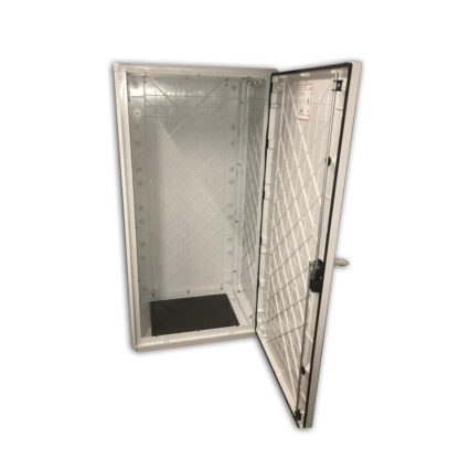 """Термошкаф """"Амадон"""" пластиковый, 685х1390х460мм, без климат-контроля, монтаж оборудования на 19″ стойки"""